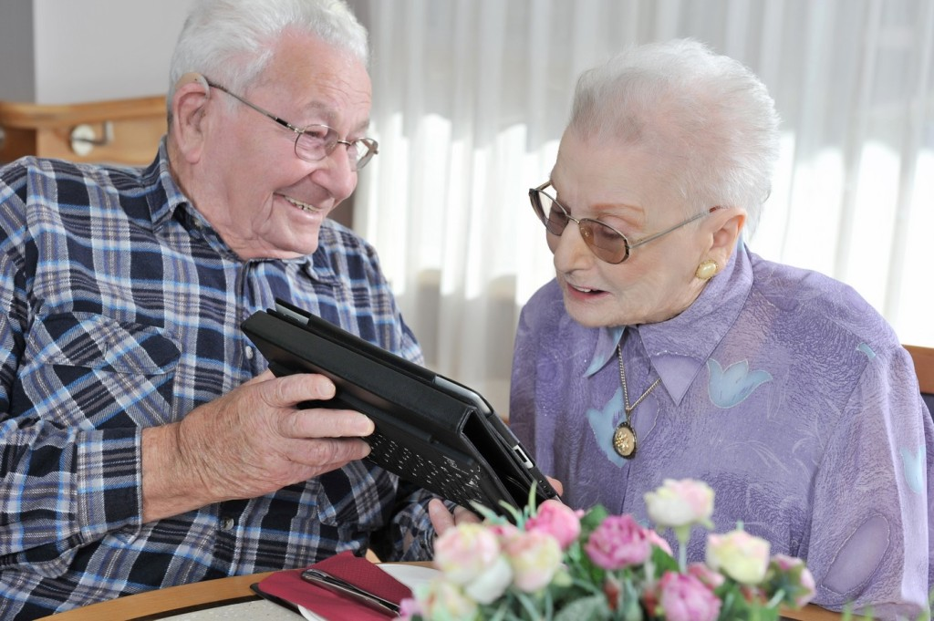 Aged Care Photography by SydneyEventPhoto.com | EventPhotoVideo.com.au